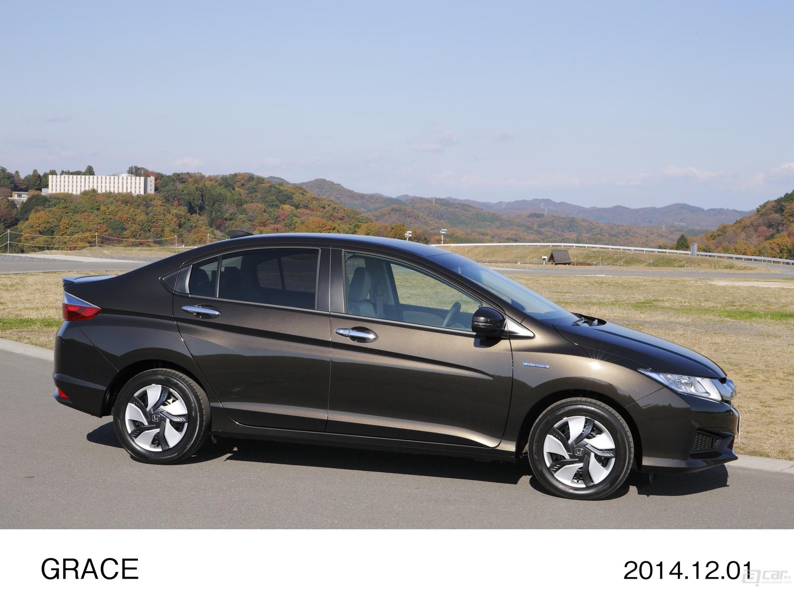 00025_honda-grace-hybrid-25