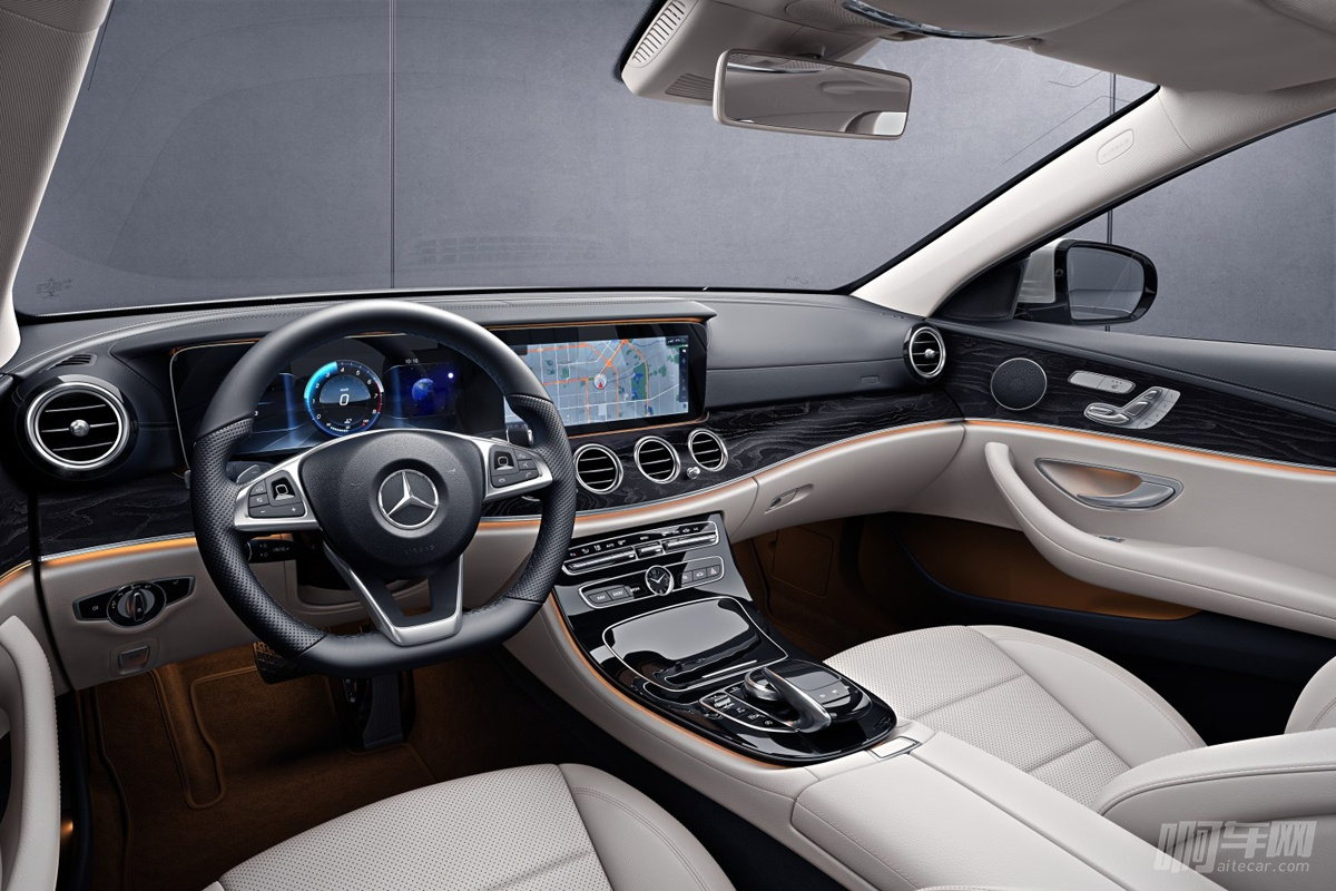 同时,全新e级轿车可提供棕色岑木和高光棕色多巴胡桃木(选装)两种饰板